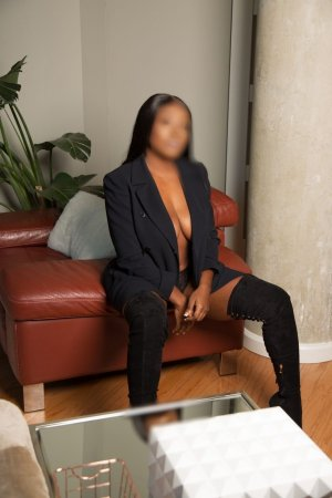 Lucienne escort girl