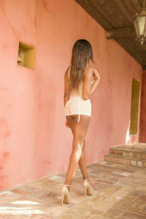 Marie-murielle tantra massage in Clewiston & escort girl