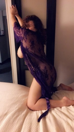 Loujayne escorts in Chino and nuru massage