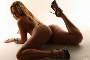 Marielle nuru massage and live escort