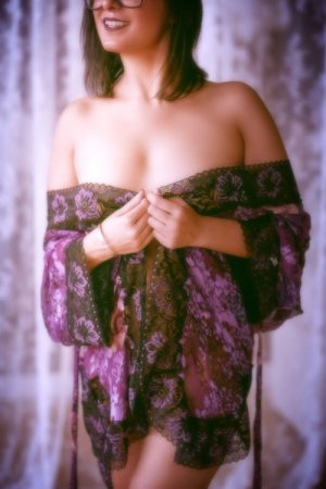 Thifanie tantra massage in Bainbridge Island